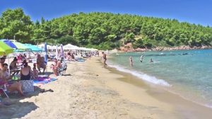 Komitsa Beach, Xerxis Hotel in Nea Roda, Halkidiki, by the sea and the beach