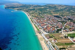 Ierisso, Xerxis Hotel in Nea Roda, Halkidiki, by the sea and the beach