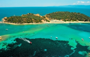 Ammouliani, Xerxis Hotel in Nea Roda, Halkidiki, by the sea and the beach